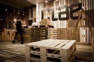 Clae shoe store